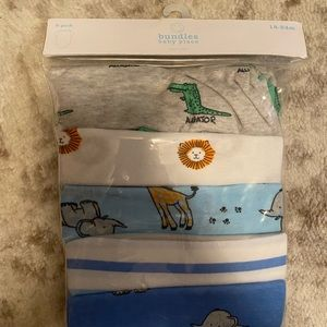 NWT 5 PACK BABY BOY 12-18 MONTH ONESIES